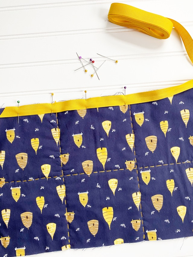 Quilted Travel Roll: Add binding
