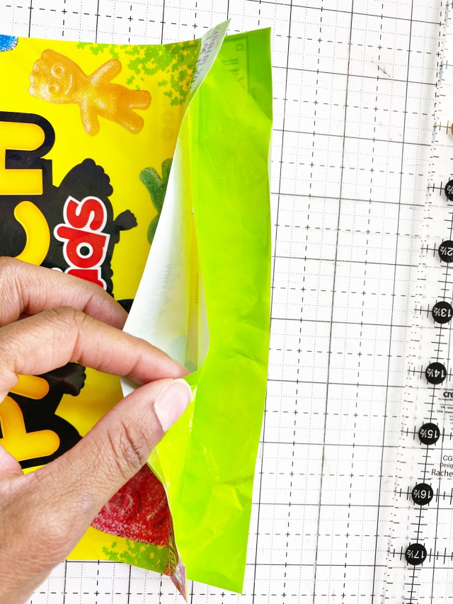 Candy Pouch 5: Cut the candy bag