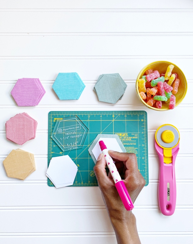 English Paper Piecing Hexagons: Glueing the hexagon paper templates
