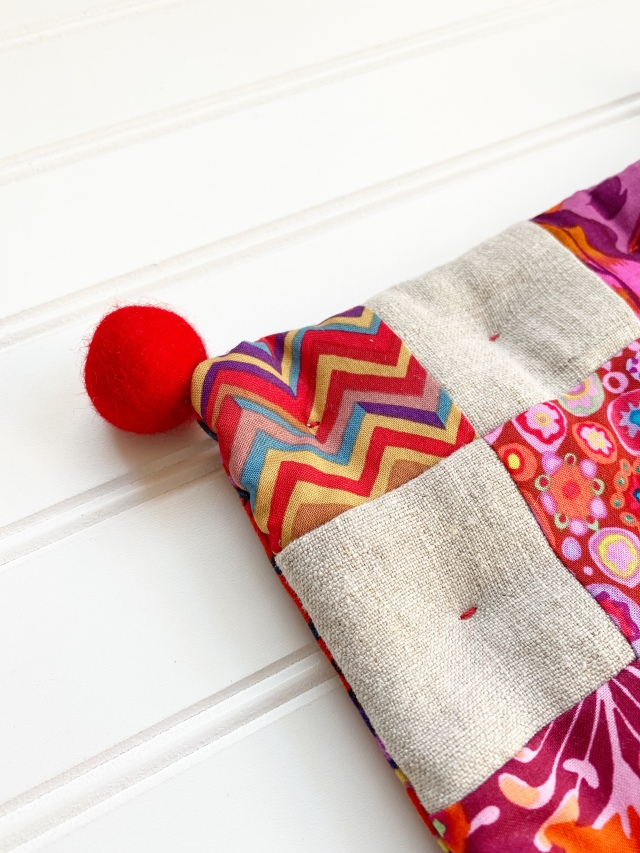 Modern Trivet: Attaching the pom-poms