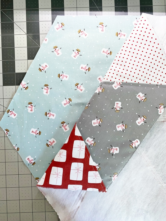 Hexi Pillow Cushion: Stitch the front and back together
