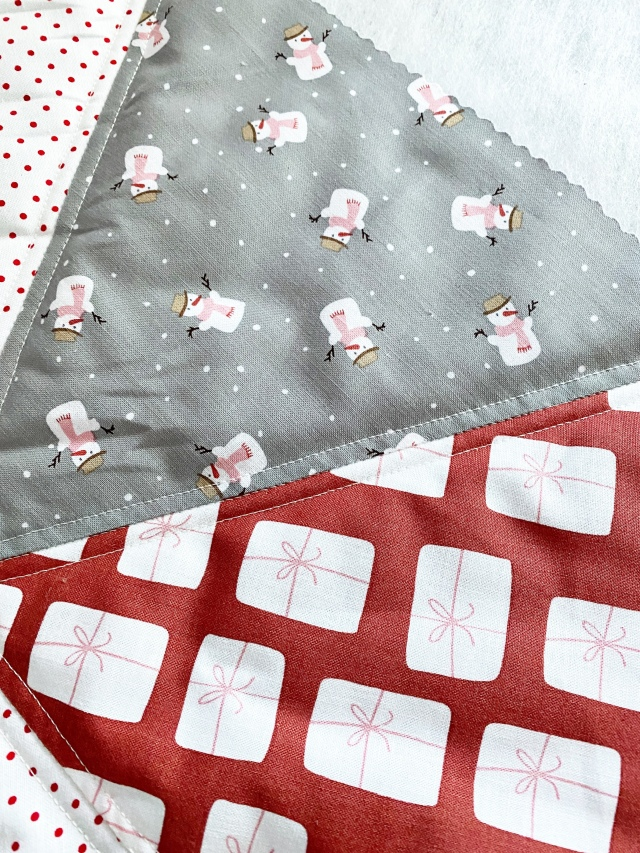 Hexi Pillow Cushion: stitching the two pieces together